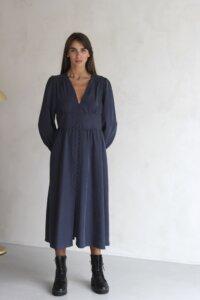 Платье макси на пуговицах графитового оттенка image 2