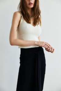 Трикотажная юбка с завязками черного цвета image 3