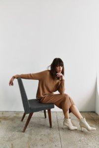 Трикотажная юбка в рубчик цвета кэмел image 2