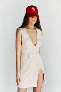 Трикотажное платье мини кремового оттенка image featured