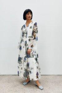 Воздушное платье из шелка в цветочный принт image 2